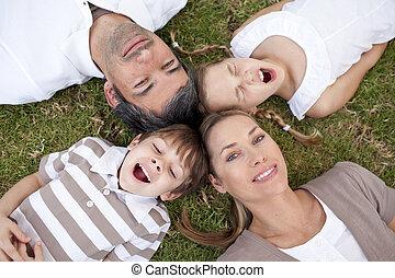 samen, hoofden, relaxen, gezin, buitenshuis