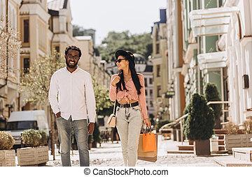 samen, wandelende, na, foto, straat, shoppen , liggen