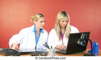samica, długość mierzona w stopach, biuro, pracujący, leczy