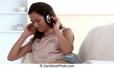 samica, muzyka, młody, słuchający