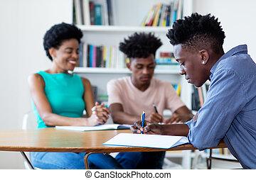 samica, studenci, amerykanka, nauka, afrykanin, nauczyciel
