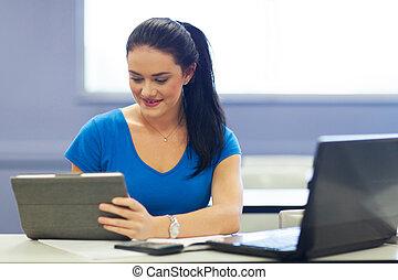 samica, tabliczka, uniwersytet, komputer, student, używając