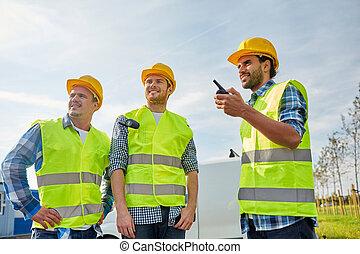 samiec, kamizelki, talkie, walkie, budowniczowie, szczęśliwy