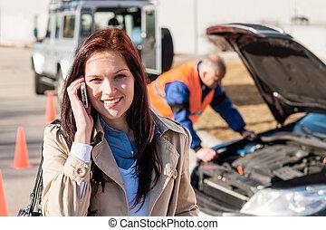 sammanbrott, mobiltelefon, kvinna, bil, efter, talande