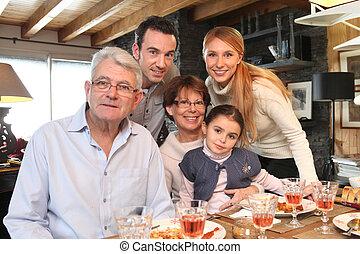 sammenkomst, familie