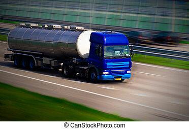 samochód tankowca, na, motorway