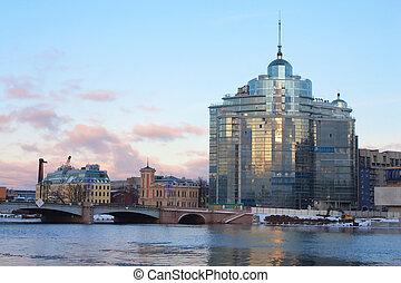 Sampsonievsky bridge and Modern building on Neva river in ...