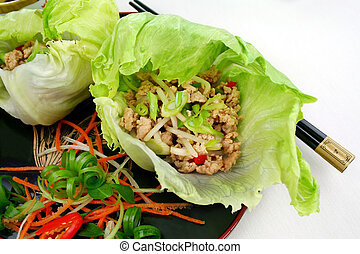 San Chow Bow - Delicious San Choy Bow with minced chicken...