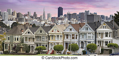 San Franciso Skyline and the Painted Ladies - San Francisco...