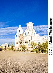 San Xavier del Bac Mission, Arizona, USA