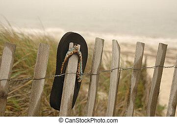 sandale, noir, barrière, pendre