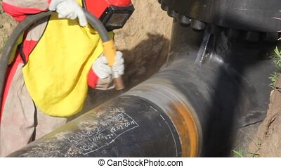 Sandblasting of metal by compressed air - Removal of...
