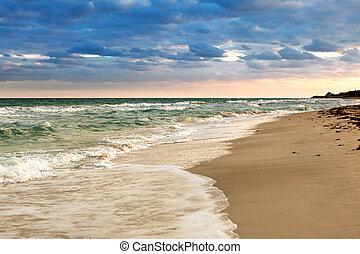 sandiger strand, an, sonnenaufgang