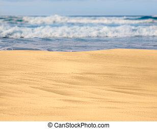 sandiger strand, mit, wellen, in, der, entfernung