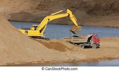sandpit timelapse - loader dump tipper loads of sand