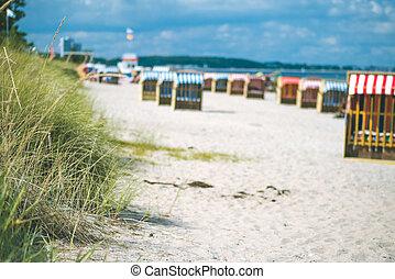 sandstrand, bunte, travemunde., deutschland, roofed, stühle, sandig