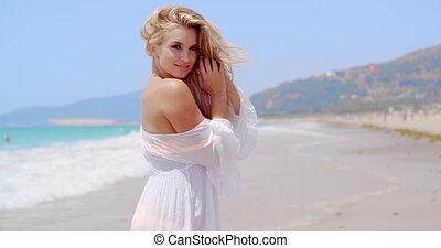 sandstrand, fotoapperat, woman, lächelt, hübsch