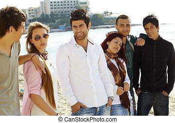 sandstrand, friends, gruppe, junger