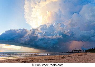sandstrand, schwammerl, lanka, sri, -, ahungalla, wunderbar, sonnenuntergang, während, sandstrand, wolke
