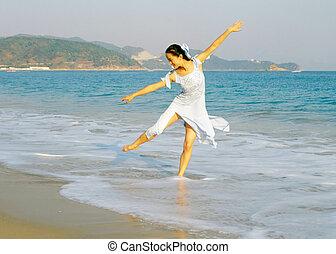 sandstrand, tänzer