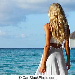 sandstrand, tropische frau