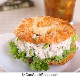sanduíche galinha, salada