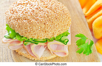 sandwich with ham and cucumber
