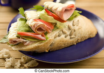 sandwich with ham