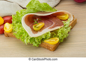 Sandwich with hamon - and salad leaves