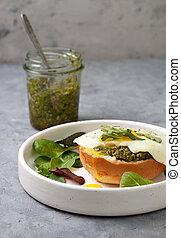 sandwich with pesto, egg