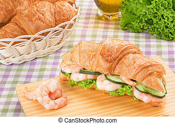 sandwich with prawns