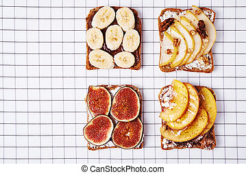 sandwiches with fruits