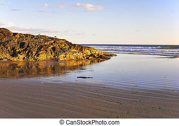 Sandy beach - Small picturesque islands on an colossal sandy...