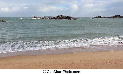 Sandy Spring Beach. - Tregastel coast spring view, Brittany,...