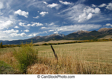 Sangres - Late Autumn snow dusts the highest peaks in the ...