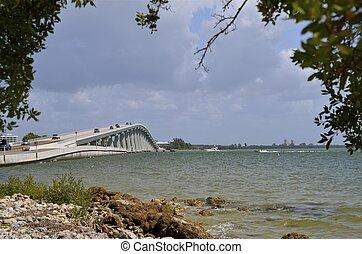Sanibel Causeway and bridge - Traffic flows on the Sanibel...