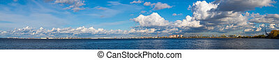 Sankt-Peterburg, panorama - View from the sea on the port ...