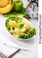 sano, condición física, comida, con, fresco, salad., dieta, concept.
