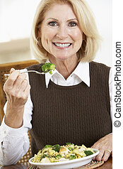 sano, donna senior, pasto mangia