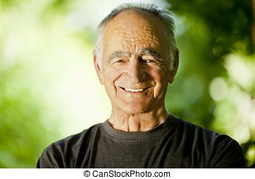 sano, hombre mayor