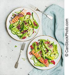 sano, primavera, insalata, con, salmone munito grata, arancia, ogive, e, quinoa