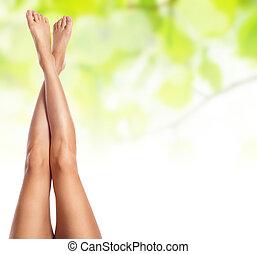 sano, snello, femmina, terme, concetto, gambe, sfondo verde,...