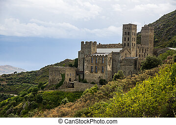 sant, pere, de, rodes, gleichfalls, a, ehemalig, benediktiner, kloster, in, der, nord, osten, von, catalonia, spanien