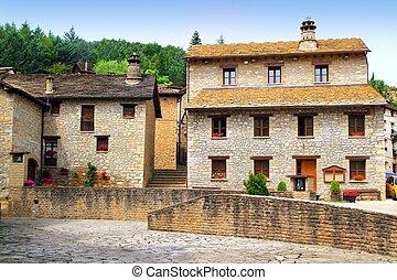 Santa Cruz Seros square Pyreness village stone