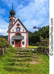 Santa Maddalena/Santa Magdalena and Dolomites range, Funes, South Tyrol, Italy