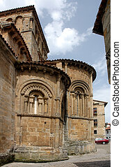 santillana, -, 具有历史意义, 教堂