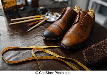 sapateiro, conceito, trabalho, reparar, serviço, calçado
