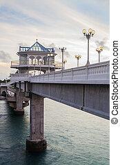 Sarasin Bridge view point