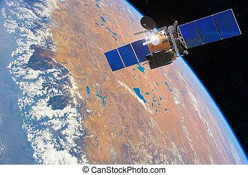 satelita, elementy, low-orbit, przestrzeń, to, komunikacja, wizerunek, dostarczony, nasa., nad, earth.