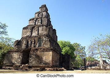Satmahal Prasada - Tower in Polonnaruwa, Sri Lanka